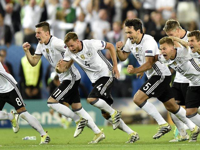 A német labdarúgó válogatott elvett 120 percet az életemből