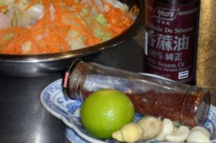 Univerzális sárgarépa-kínai kel saláta
