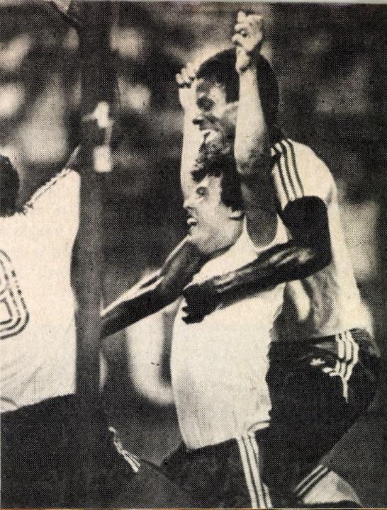 idokapszula_1982_spanyolorszagi_labdarugo_vilagbajnoksag_eszak-irorszag_honduras_zelaya.jpg