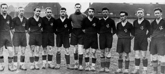 bayer-fussball-team1936_zoomed.jpg