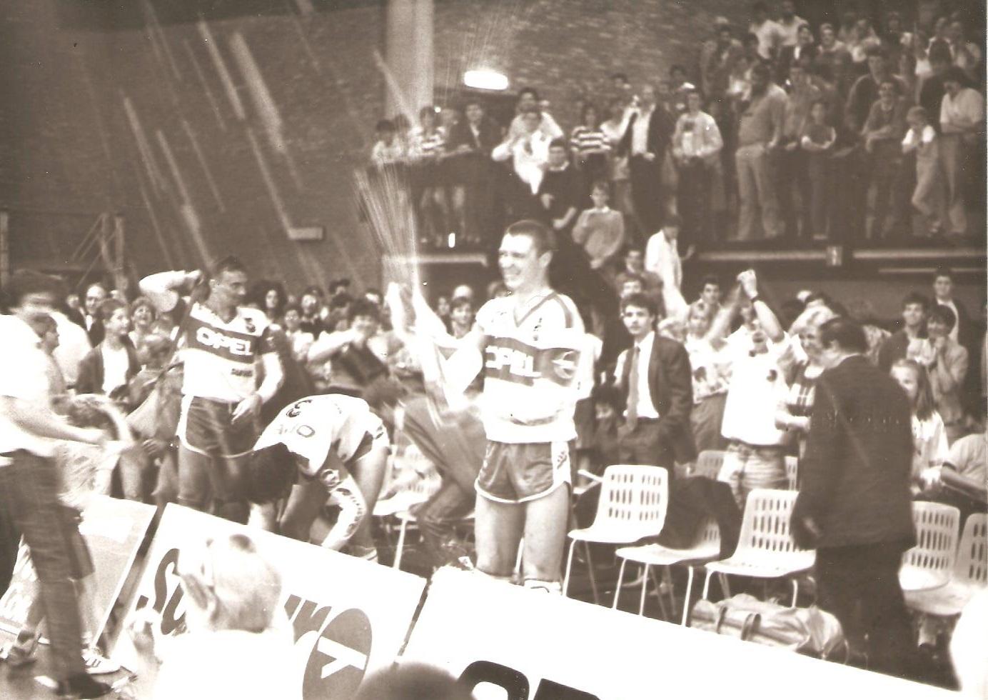 roplabdas_profil_borcsok_csaba_lennik_1988.jpg