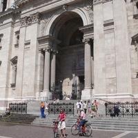 Elkészült a Bazilika kerítése