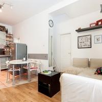 Menő budapesti lakások: háromszobás egyetlen konyhából