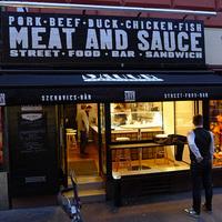 Agyeldobós szendvicsek, húslébe mártva - Meat & Sauce