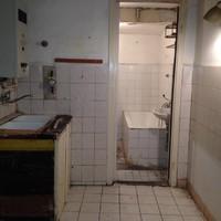 Menő budapesti lakások: modern belvárosi egy külvárosi panel árából