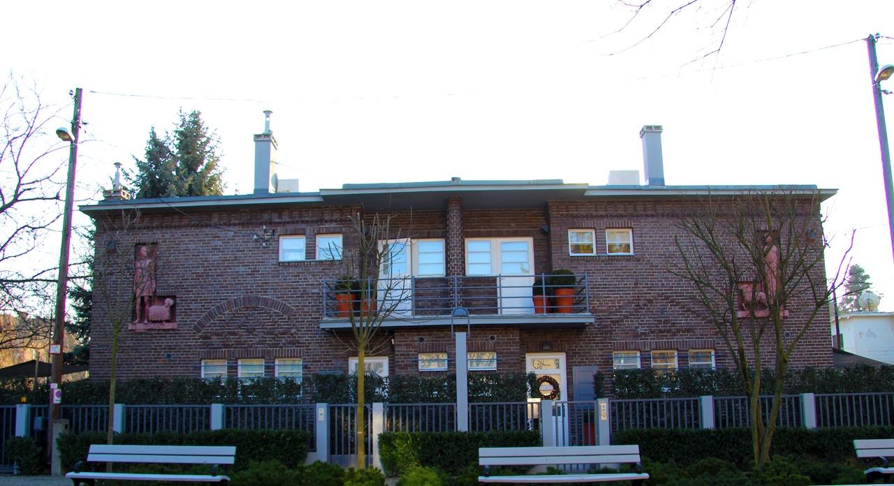 Bauhaus ház, Napraforgó utcai kísérleti lakótelep (1931)