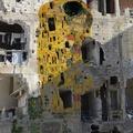Köztéri művészettel a szabadságért: háborús övezet és a nyugati művészet ikonjainak találkozása