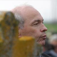 Nap képe: miniszter a temetésen