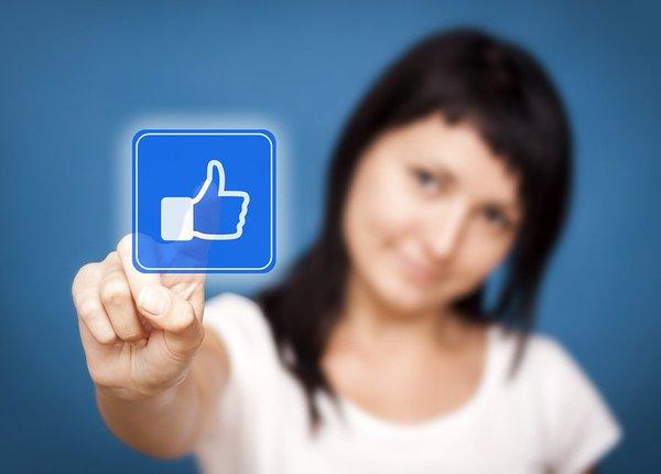 Hogyan viselkednek a magyar Facebookozók? Itt vannak a legújabb trendek és eredmények