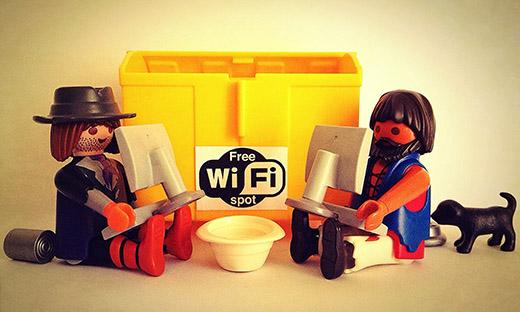 playmobil-free-wifi.jpg