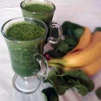 Zöld turmix spenóttal és banánnal