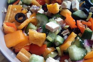 Tofus görög saláta