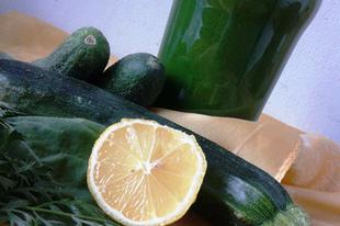 CUborka ZÖrmix (Cukkini-uborka zöld turmix)