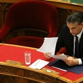 Így szenved vereséget Orbán gyorsnaszádja