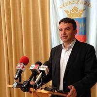 A Fidesz megvédi a szekszárdi trafikmutyizókat