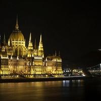 Lecsúsztunk: a korrupció irányítja az államot a Fidesz Magyarországán?