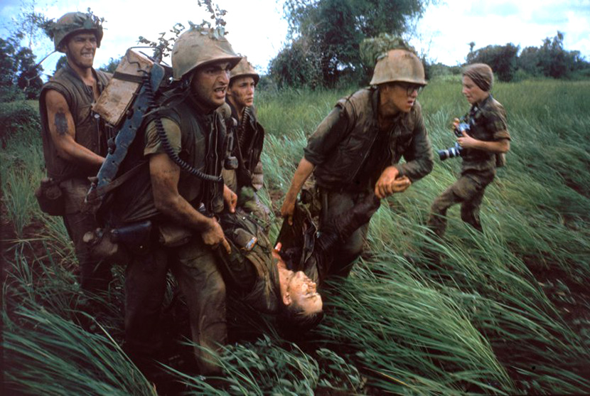 196610_marines_w_wounded_and_catherine_leroy.jpg