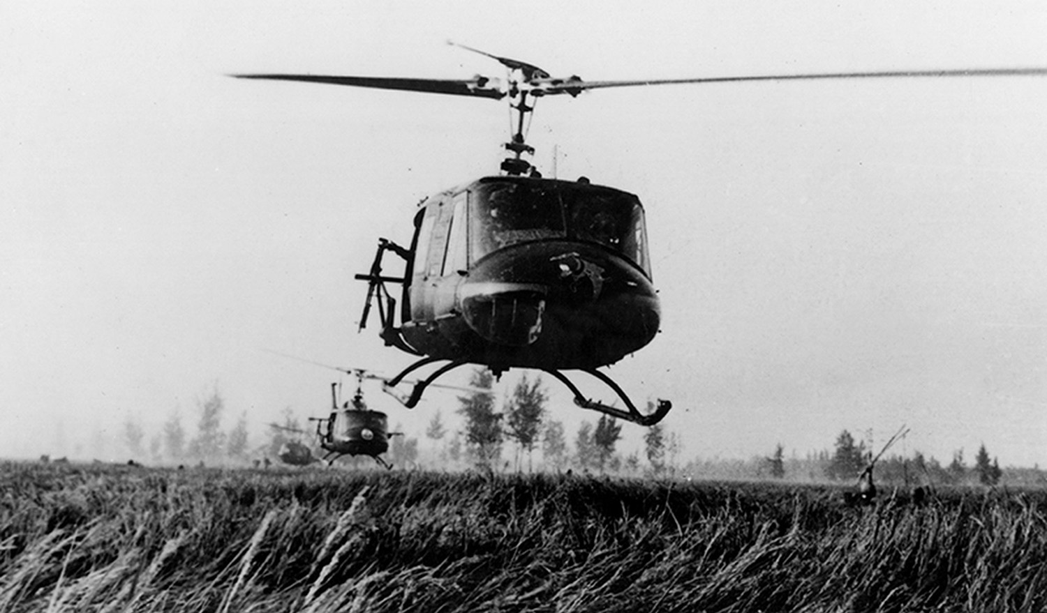 choppers_land_at_my_lai_01.jpg