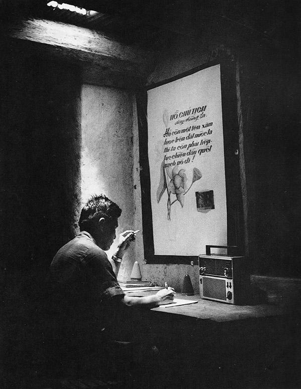 nlf_cadre_ut_mot_in_undergroun_office_cu_chi_1969.jpg