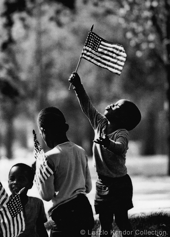 children_playing_in_the_park_chicago_1968.jpg