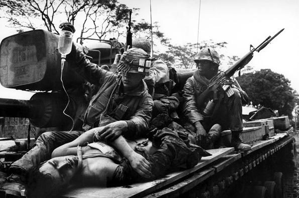Sebesültszállítás harckocsin