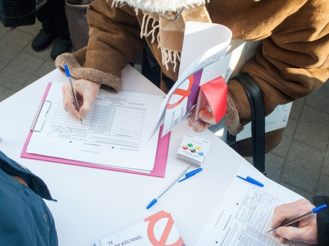 Momentum: Nem az olimpiára, igen a melegházasságra!