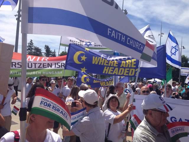 Genfben magyarok is tüntettek az ENSZ-jelentés ellen