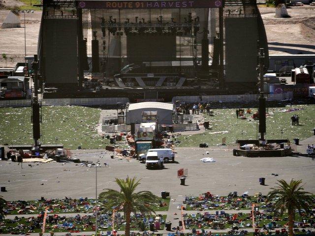 Ki volt a Las Vegas-i tömeggyilkos vendége a lakosztályában? Egyre több kérdés a tragédia körül (Frissítve)