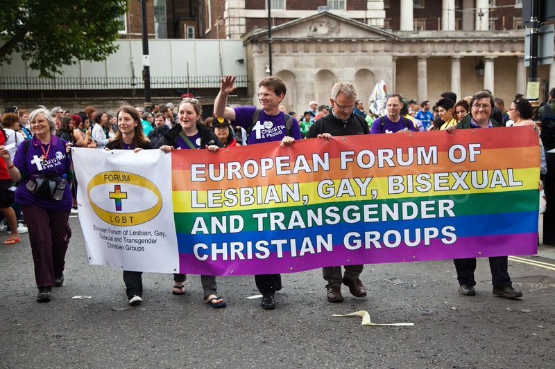 1341679467-world-pride-celebrated-in-london_1320183.jpg