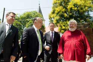 Orbán néhány órányi kapálástól vagy útépítéstől holtan esne össze!