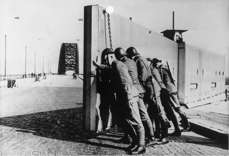 bundesarchiv_bild_146-1985-038-03_brucke_nijmwegen_sicherung_durch_holl_ndische_soldaten.jpg