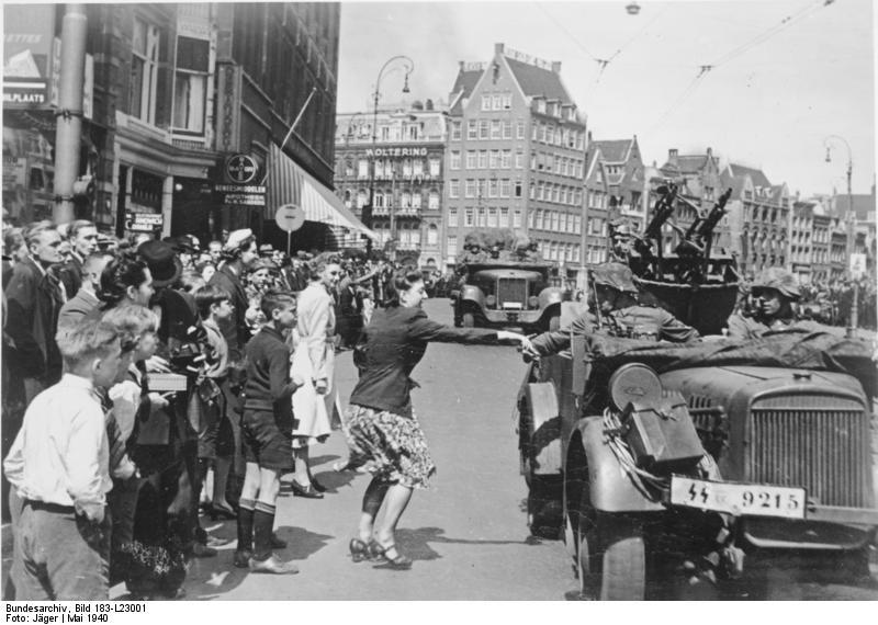 bundesarchiv_bild_183-l23001_amsterdam_durchmarsch_deutscher_truppen.jpg