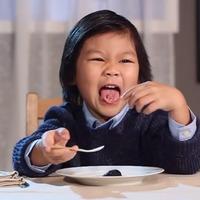 Egy sznob felnőtt elismerően csettintene ezekre az ételekre. De mit szól hozzá egy gyerek? (videó)