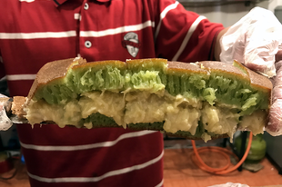 Ennél durvábbat még nem ettél: martabak, az indonéz brutálpalacsinta, ami egyszerre sós és édes