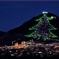A világ legnagyobb és legkülönlegesebb karácsonyfája