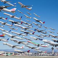 75 repülőgép felszállása egyetlen fotón
