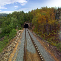 Egy perces, négy évszakos vonatozás Norvégia legészakibb vasútvonalán
