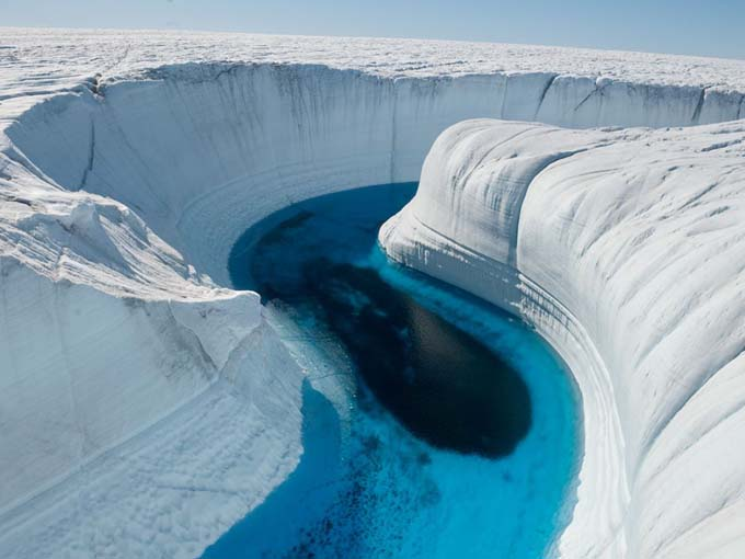 Ice Canyon_Greenland.jpg