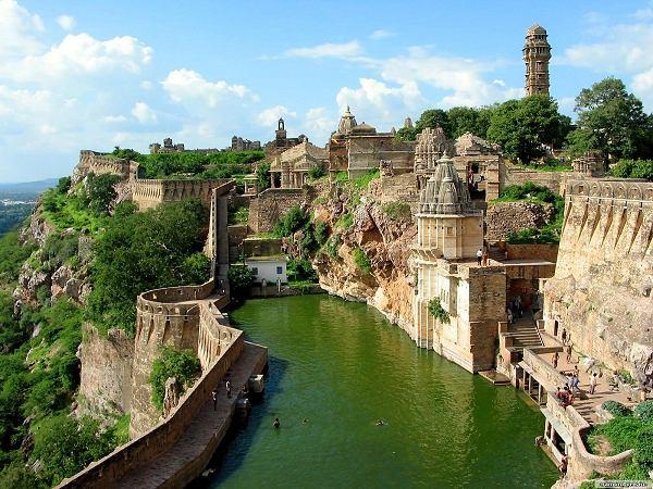 Chittorgarh Fort.jpg