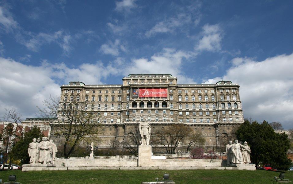 Országos Széchenyi Könyvtár, Budapest Magyarország.jpg