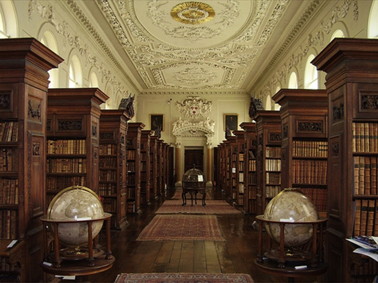 Queen's College Library, Oxford University, Oxford, UK.jpg