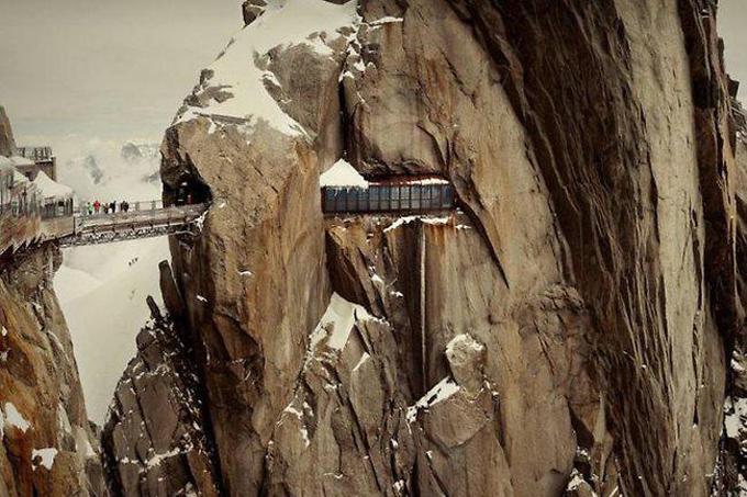 Aiguill e du midi, Chamonix, France.jpg