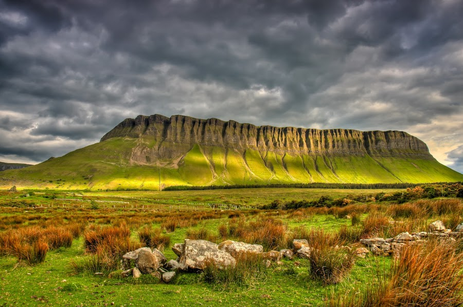 Ben Bulben at County Sligo, Ireland.jpg