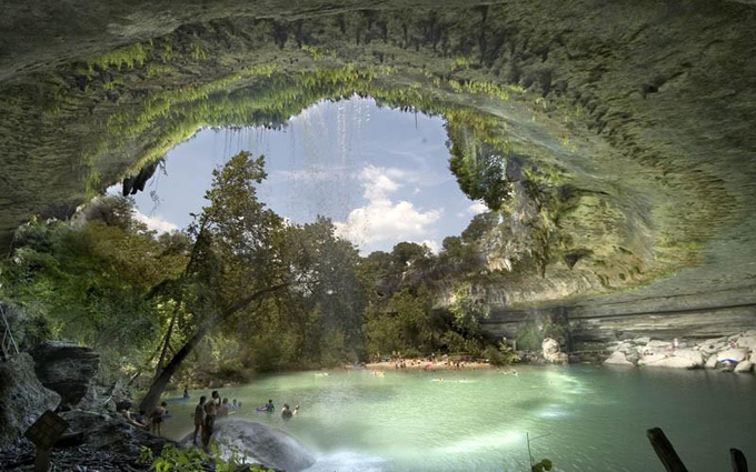 The Hamilton Pool Nature Preserve in Texas, USA.jpg