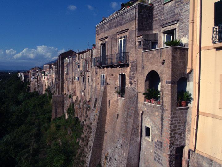 Sant Agata de Goti házfalak.jpg
