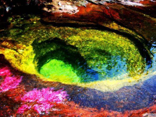 5 színű folyó.jpg