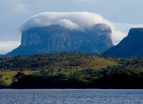 Sierra de la Macarena.jpg