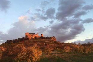 #Castle of #Boldogkő Photo: FLZS  #tokajwineregion #abauj  #visittokaj #tokajhegyalja #instahungary #instahun #loves_hungary #visithungary #sunset #redsky #naturelovers #nature #awesome_naturepix #discoverglobe #wonderful_places #picoftheday #picture #pictureoftheday #instaphoto #photography @hellomagyarorszag @travelo.hu