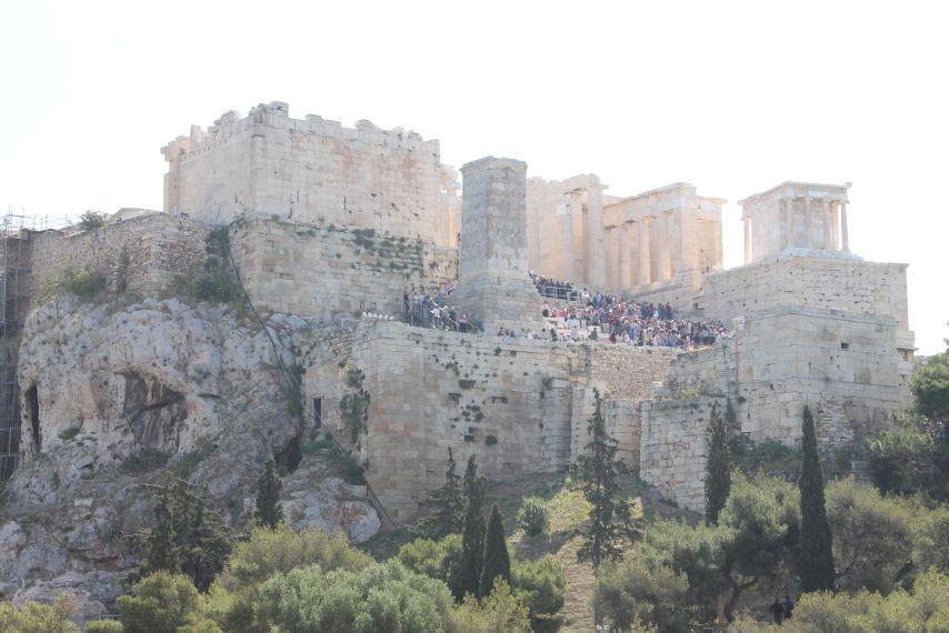 akropolisz_kivulrol.jpg