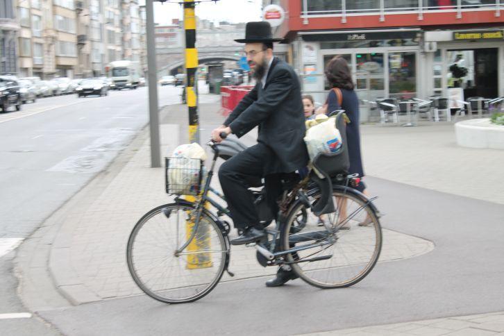 ortodox_zsido_biciklizik.jpg
